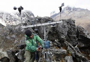 Peru�s melting Pastoruri glacier: Twenty-two percent of the surface area of Peruvian glaciers has disappeared in the past 30 years.  Photo: Washington Post