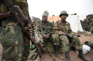 Government soldiers not yet ready to tackle the Simbas. Photo: � Guy Oliver/IRIN