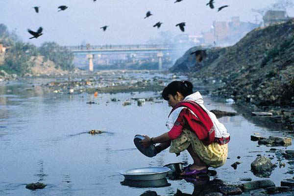 water pollution in source causes solution effects etc 4 poison