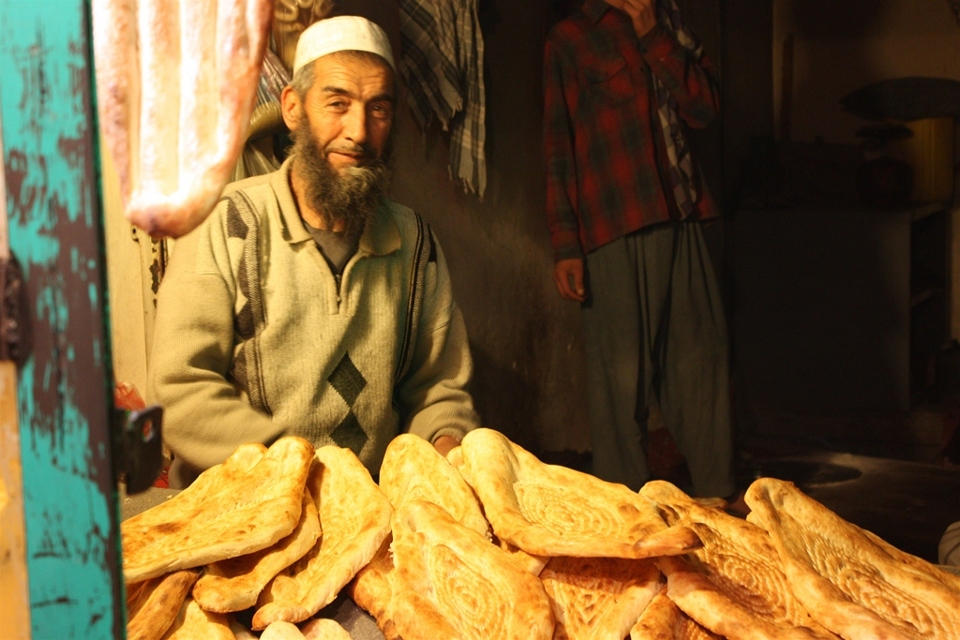 afghanistan_bread_shop