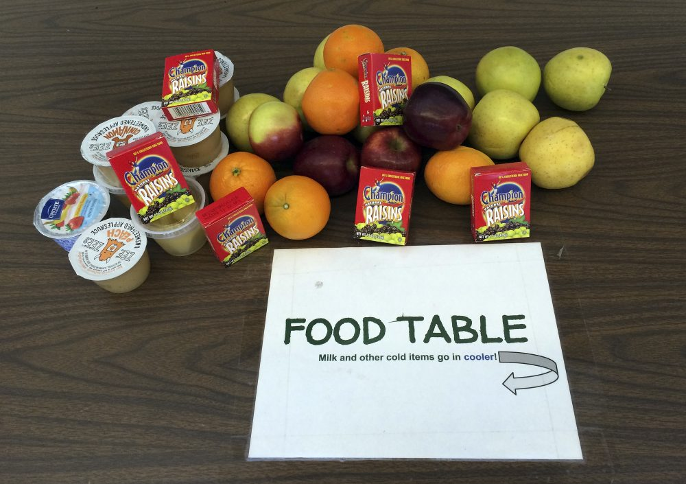 """Schools fighting hunger with """"share tables"""""""